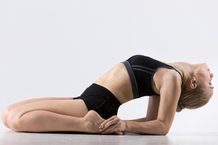 guerriero coricato yoga per corsa