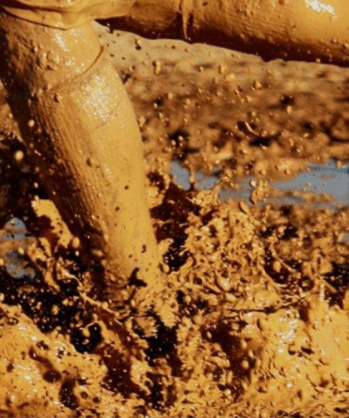 scarpe da running e fango